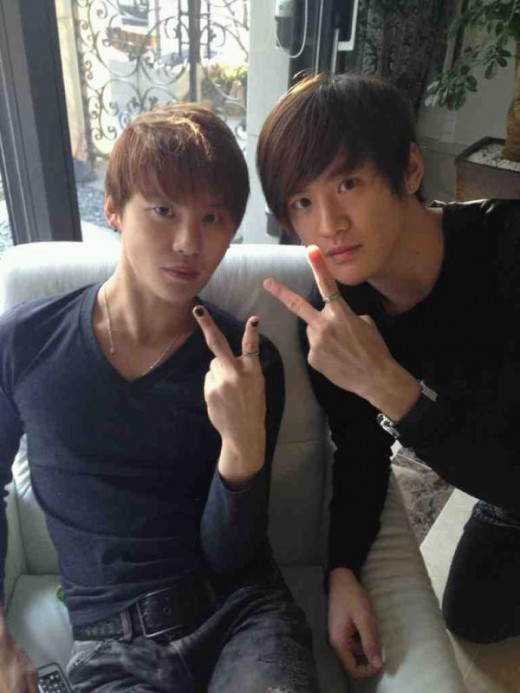 JYJ's Junsu & his twin brother Junho send their New Year ...