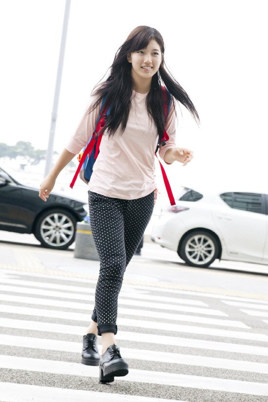 Miss A Suzy S Simple Airport Fashion Gets Noticed