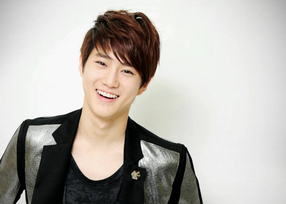 simply exo s suho reveals his role model is super junior s