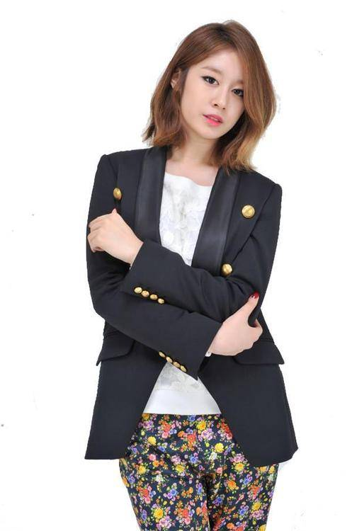 Jiyeon confirmed to make her solo debut next month with a style different from T-ara