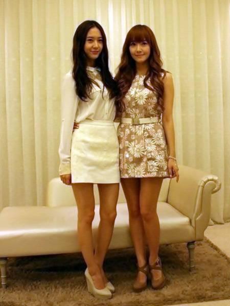 Girls' Generation's Jessica and f(x)'s Krystal film for ... F(x) Krystal And Jessica