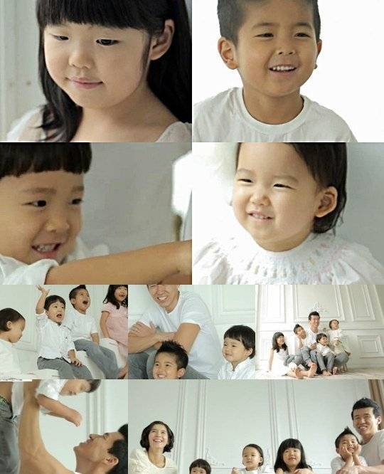 Wedding Poses With Parents: Sean And Jung Hye Young Pose With Their Children For Their