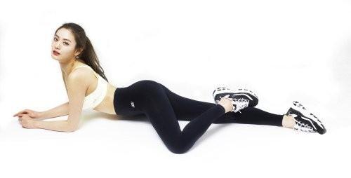 Nana boasts a perfect body for 'Sketchers'!   allkpop.com