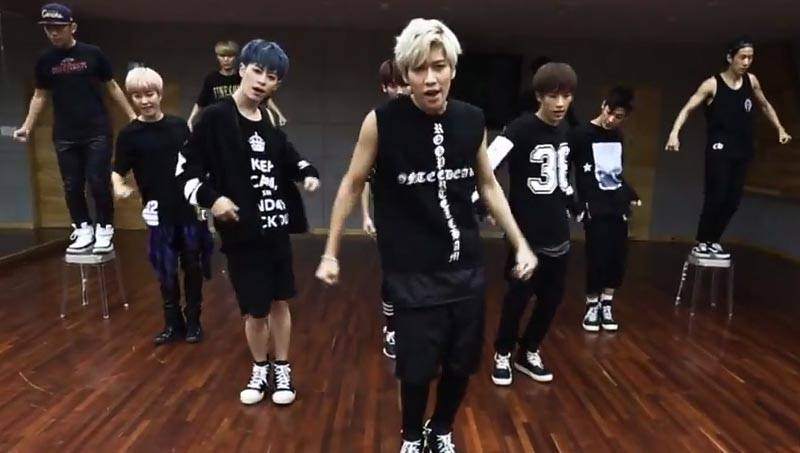 Boyfriend release 'zoom in and out' version of their 'Intro' and 'Obsession' dance practice