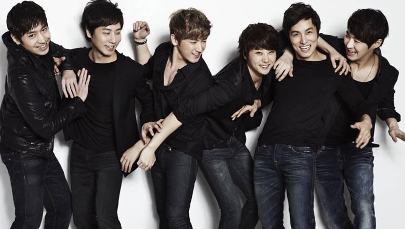 Shinhwa to make their comeback next year