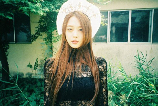 Sulli is up next with her teaser images for f(x)'s 'Red ... F(x) Sulli 2014 Red Light