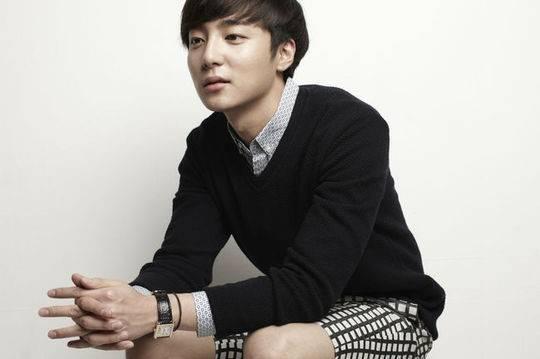 Roy Kim, Younha