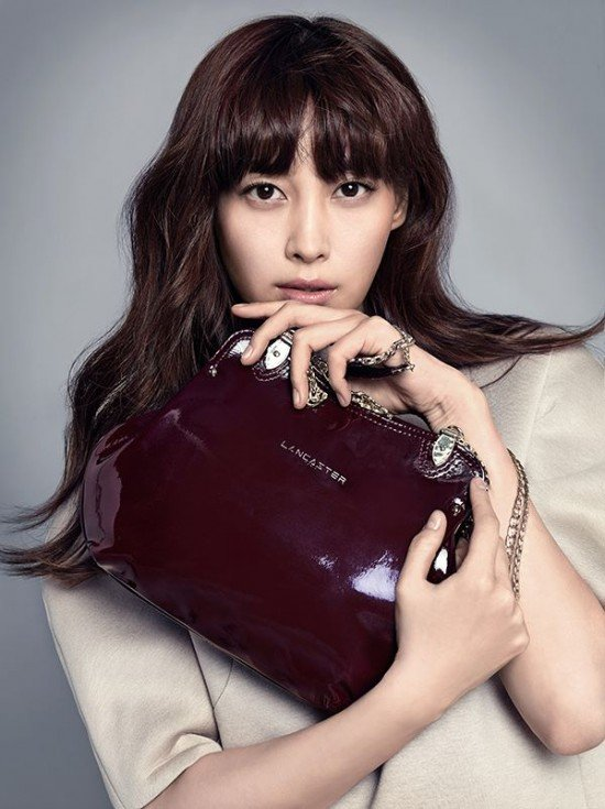 Super Lee Na Young looks posh and refined in pictorial and campaign  ZO65