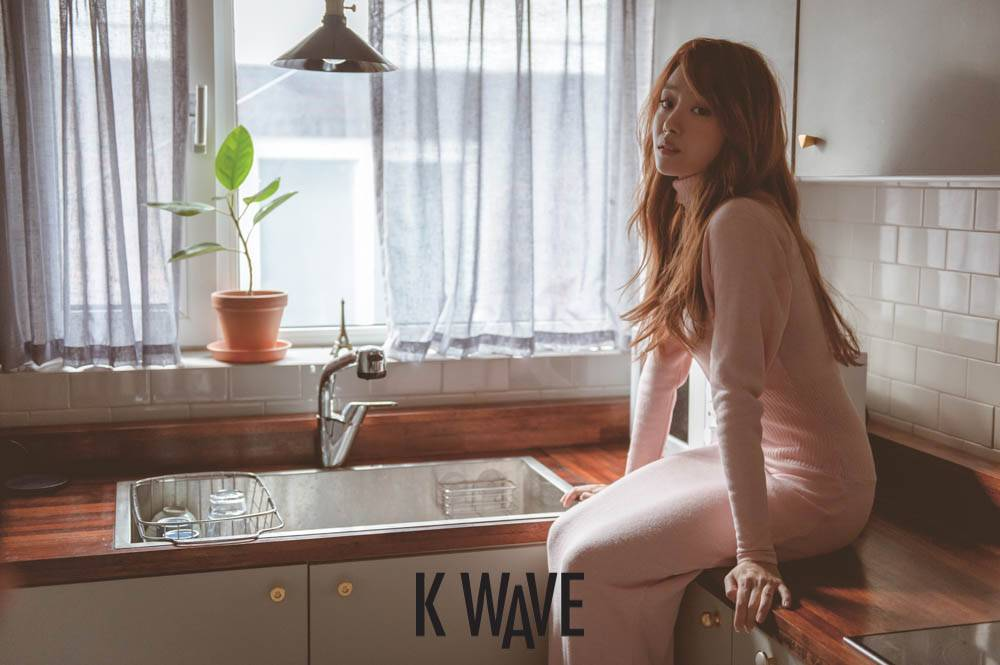 SECRET's Ji Eun shows off her doll-like visuals for 'K-Wave'