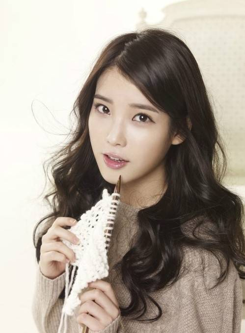 IU thanks fans with a new song, 'Knee' | allkpop.com