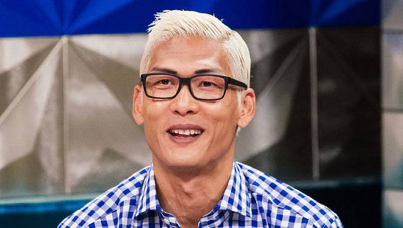 Park Joon Hyung continues his talk on women with fake