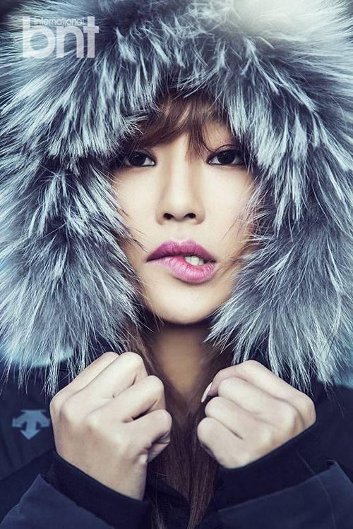 Sistar S Hyorin Flaunts Her Toned Figure In International