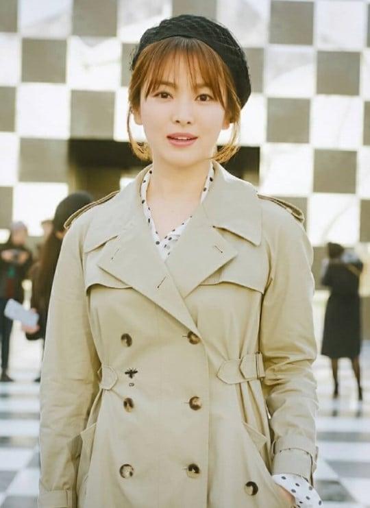 Song Joong Ki-Song Hye Kyo couple attend 'Dior' fashion ...