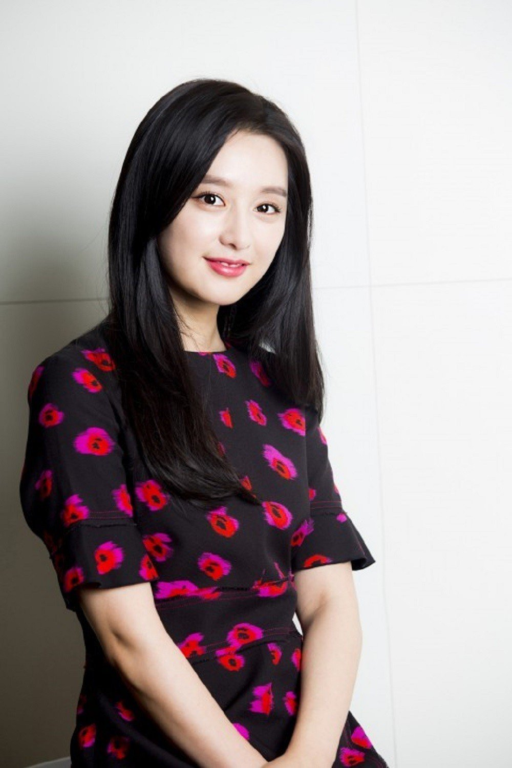 Actress Kim Ji Won says she was never in the spotlight for ...