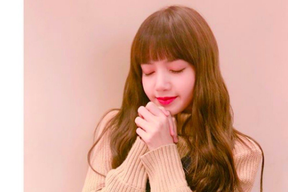 black pink s lisa thanks everyone for all the birthday wishes allkpop