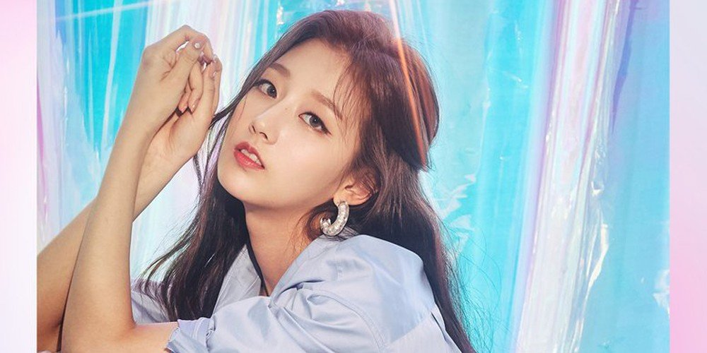 Lovelyz, (Mijoo) Lee Mi Joo, (Yein) Jeong Ye In