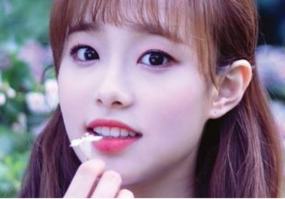 loona,chuu,yyxy-youth-youth-by-young