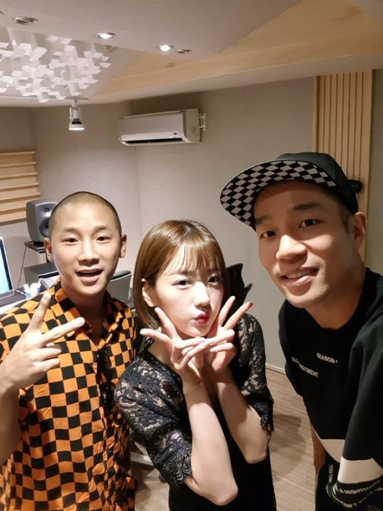 A-Pink_Bomi_mighty-mouth_1531877027_1.jpg