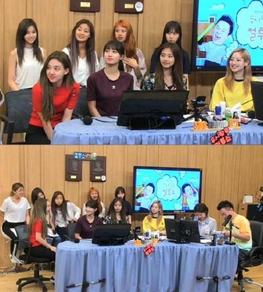 Para member Twice mengaku jika mereka sangat memperhatikan lagunya di chart (dok. Allkpop)