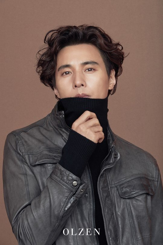 Won Bin Gives An Update To Fans With Stunning Fall Fashion