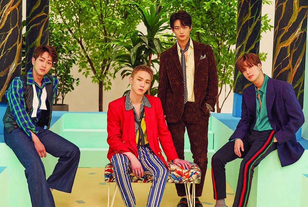 SHINee tops album charts with 'The Story of Light Epilogue' | allkpop