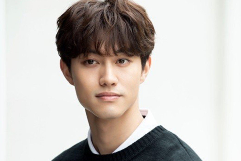 Kwak Dong Yeon in talks to play lead in upcoming MBC drama