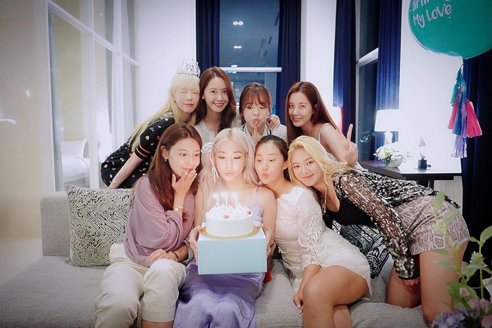 Girls' Generation reunite to celebrate Tiffany Young's birthday | allkpop