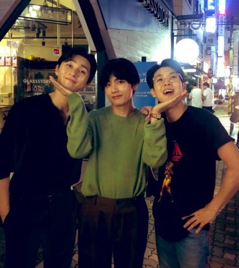V, Choi Woo Sik, Park Seo Joon
