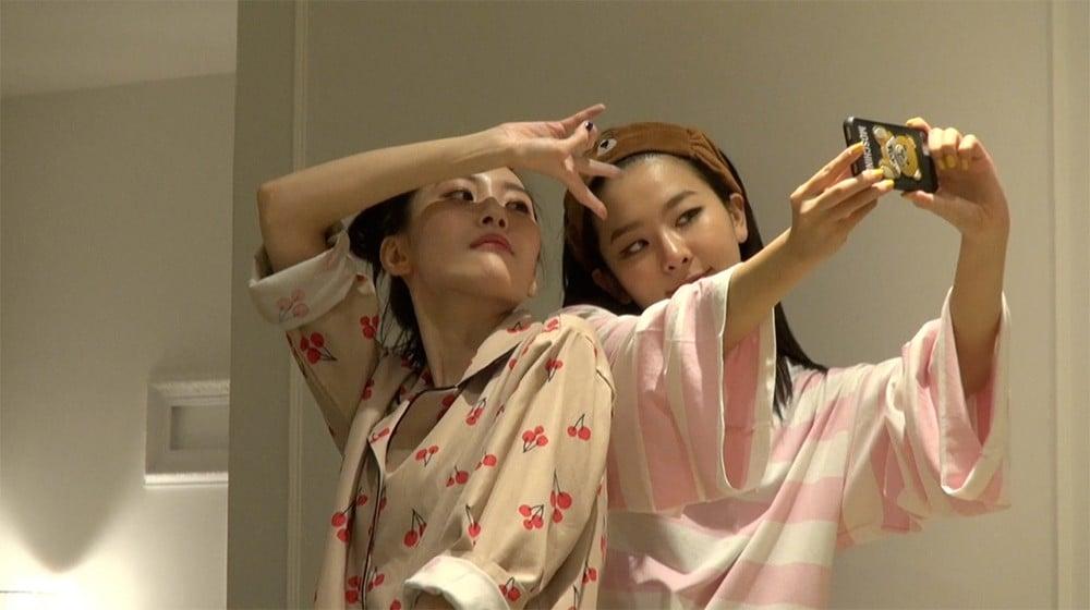 Seulgi showcases her love for Sunmi again | allkpop