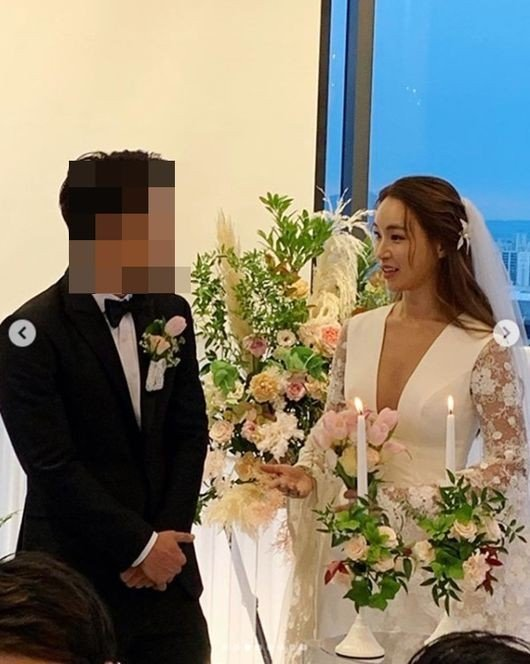 'Produce 101' choreographer Bae Yoon Jung got married today! | allkpop