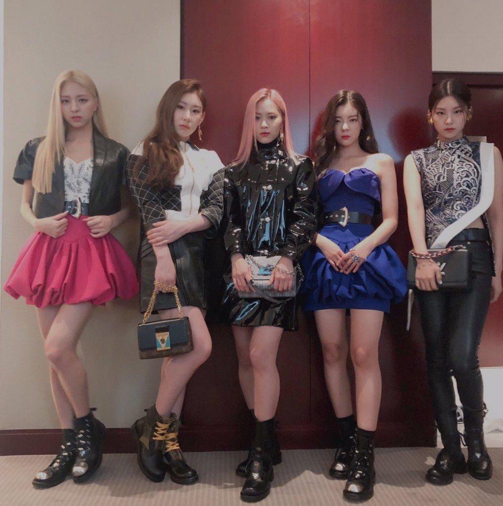 Kpop Fashion 2020.Itzy Show Off Their Fashion Sense At Louis Vuitton Spring