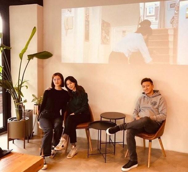 Actor Jin Tae Hyun and Actress Park Si Eun decide to adopt their child | allkpop