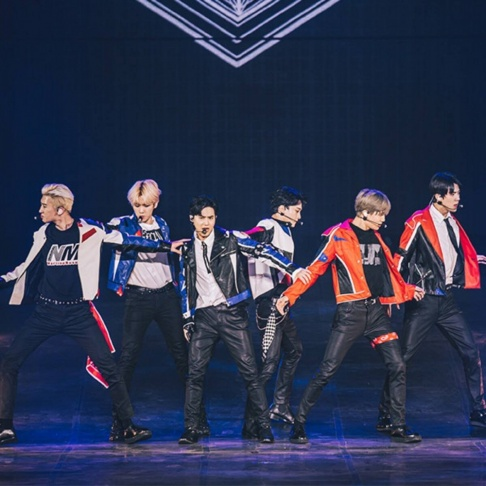 EXO, EXO-K, EXO-M, Suho, Sehun, Baekhyun, D.O., Kai, Chanyeol, Chen, Lay, Xiumin, EXO-CBX, EXO-SC