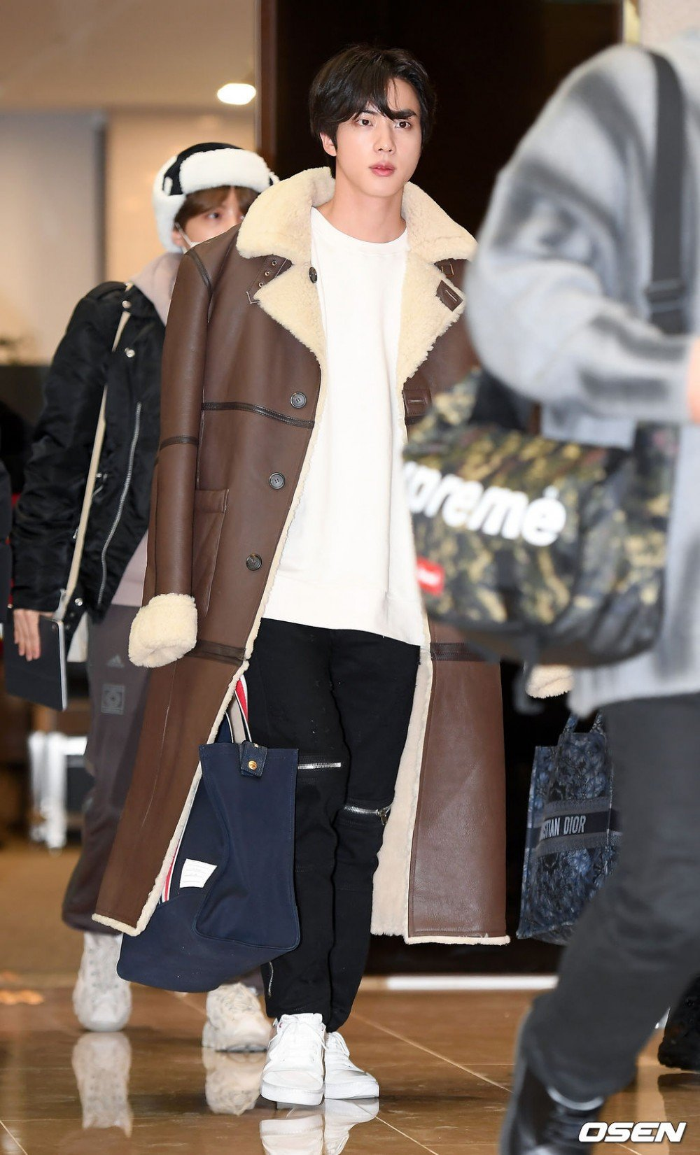 airport fashion, BTS Jin leaving fans in shambles as he walk down the Airport | allkpop