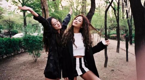 BLACKPINK, Jennie, Jisoo