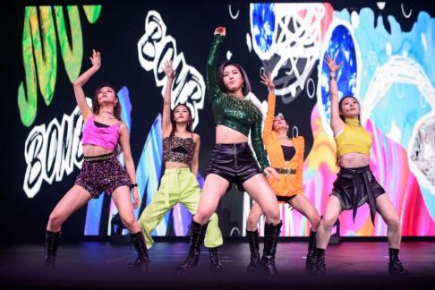 ITZY, Chaeryeong, Yeji, Lia, Ryujin, Yuna