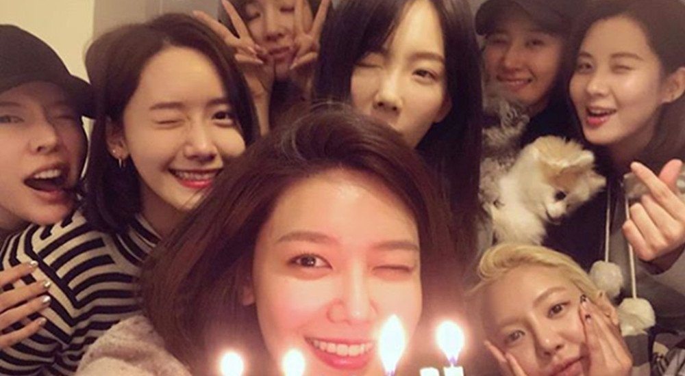 Netizens wonder if Girls' Generation might be gearing up for a comeback