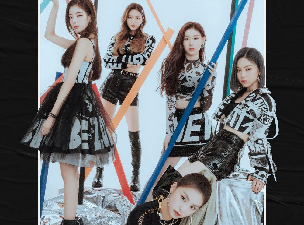 ITZY stand bold in 'It'z ME' group teaser image