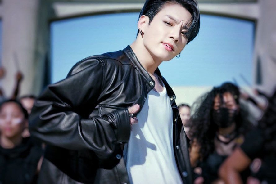 Fans rave over BTS' Jungkook's physique and energy in 'BTS focus' video of 'ON' Kinetic Manifesto film