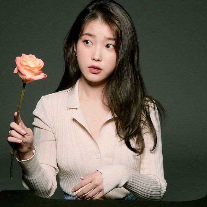 Iu Displays A Pure And Pretty Look While Posing With Flowers Allkpop