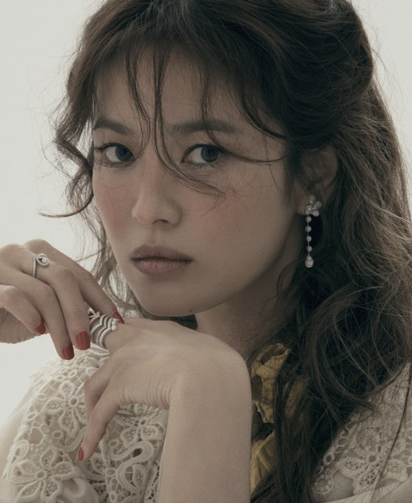 Song Hye Kyo shines in newest photoshoot for jewelry brand ...