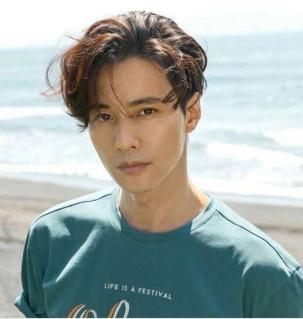 Won Bin stuns fans with his never-aging visuals | allkpop