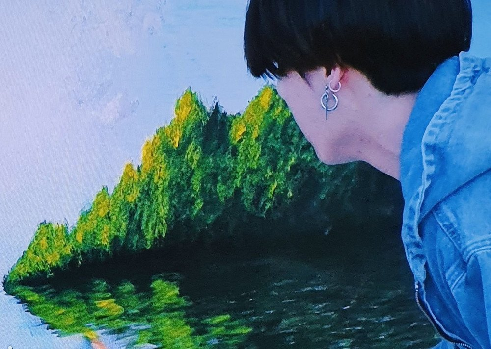 """BTS' Jungkook's painting from """"In The SOOP"""" left BTS members and fans  worldwide in awe; """"Jungkook painting"""" trended on Weibo, significant rise in  Google search 