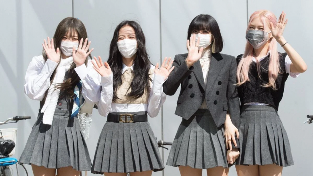 Netizens Are Loving Blackpink S School Girl Outfits For Knowing Bros Allkpop