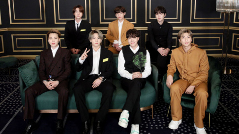BTS, V, Jungkook, Jimin, Jin, j-hope, SUGA, RM (Rap Monster), FANATICS, Momoland