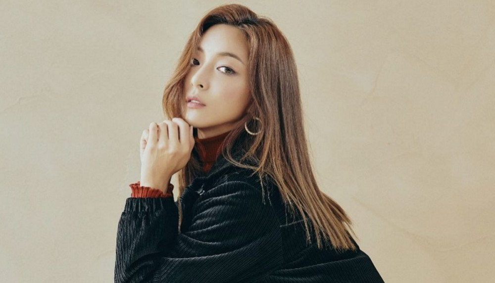 f(x)'s Luna confirms solo comeback after 2 years | allkpop